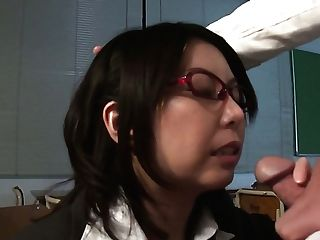 Nerdy Japanese Tutor Minami Kitagawa Stands On Knees And Gives Nice Head