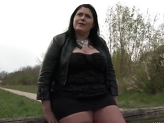 Bbw Raven Chick Wants To More Two Stranger Lollipops