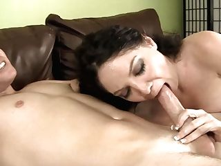 Black-haired Kiki D Aire Puts Her Soft Lips On Stiff Love Wand