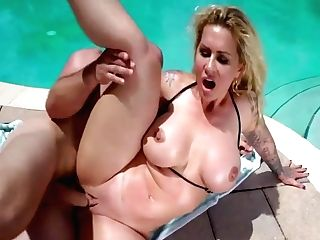 Bigtit Cougar Fucks Underwater Before Poolside Lovemaking