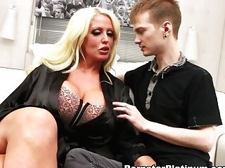 Alura Jenson In Xxx Grindr Surprise - Pornstarplatinum