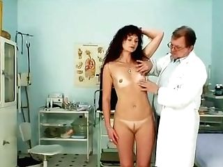 Ginger-haired Mummy Vagina Checkup At Perverse Hospital