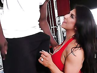 Well-lubed Fuck Fuck Holes Of Sporty Curvy Mummy Raven Hart Get Romped By Big Black Cock Proprietor