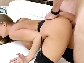 Stunning Bitch With Big Tits Britney Amber Gets Laid And Loves Eating Sperm