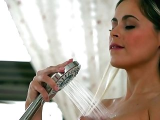 Bosomy Mummy Vittoria Dolce Is Worth Million Of Orgasms