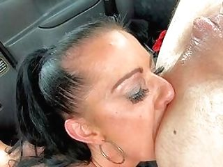 Point Of View With A Hot Cougar When Dealing The Cab Driver's Youthfull Shaft