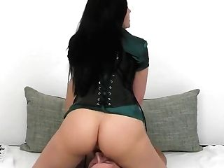 Malina Lay Queening