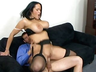 Juggy Assistant Carmella Bing Shows Talents Of Her Deep Gullet And Moist Cunt