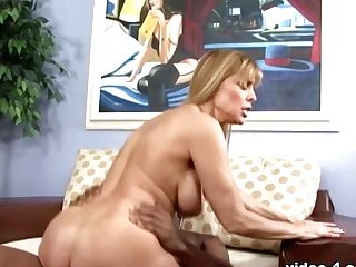 Blonde Nicole Moore Loves Dogs And Rear End Style - Upox