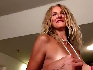 Yankee Cougar Veronica Touches Her Raw Honeypot On The Stairs