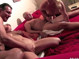 Bi-curious German Cougars Plays With Their Twats In Four-way