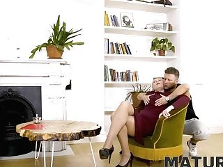 Matures Woman In Stockings Has Vagina Penetrated By Bearded Man