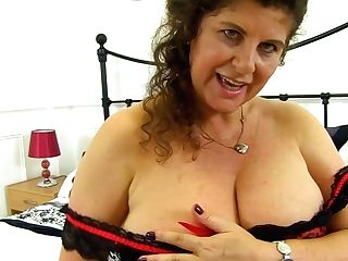 English Mummy Gilly Shoves Her Knickers Into Her Fanny