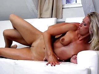 Blonde Hotty Gets Hatch Fucked Ruthlessly By Horny Man