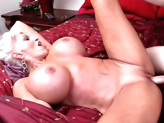 Italian Threesome With Two Huge-boobed Blonde Mummy Superstars