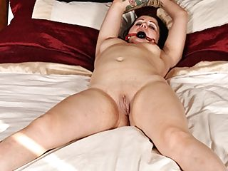 Felicity In Naked, Tied In Couch - Tiedvirgins